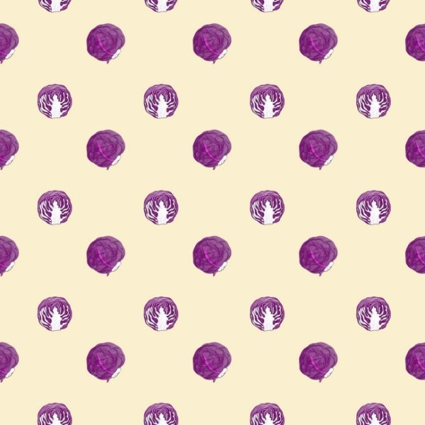 A cute pattern of red cabbage heads on a light beige background.